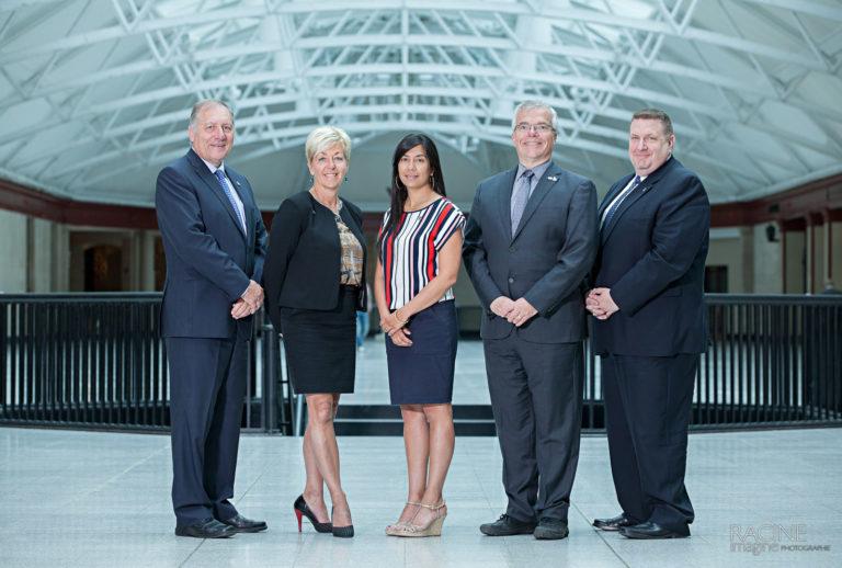 Photographe portraits affaires corporatif groupe nouveau CA Ordre des Ingénieurs du Québec OIQ